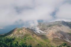 Montera Usu, aktiv vulkan på söderna av sjön Toya, Hokkaido, j arkivfoton