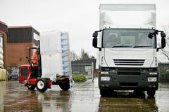 monterad lastbil för gaffeltruck moffett Fotografering för Bildbyråer