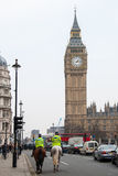 Monterade poliser i London Arkivfoto
