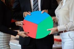 Monterande figursåg för affärsfolk Arkivbilder