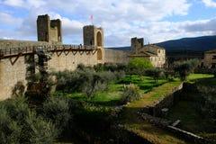 Monteriggioni, Tuscny, Italia Panorama del castillo y de la ciudad vieja fotos de archivo libres de regalías
