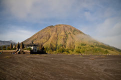Montering Batok i östliga Java Indonesia Arkivfoton