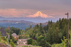 Montering Hood Evening Alpenglow på den lyckliga dalen Royaltyfri Bild