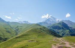 Montering Kazbek Arkivfoton