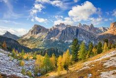 Montering Lagazuoi, Falyarego bana, Dolomites Royaltyfria Foton