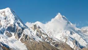 Montering Masherbrum, Karakorum berg, Pakistan Royaltyfri Bild