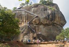 Montering Sigiriya, sikt från terrassen Sri Lanka royaltyfria bilder