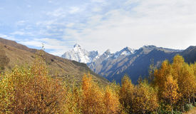 Montering Siguniang i Sichuan, Kina Royaltyfri Fotografi