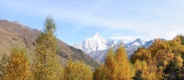 Montering Siguniang i Sichuan, Kina Arkivbilder