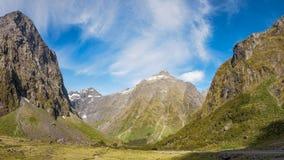 Montering Talbot på den Milford huvudvägen i Nya Zeeland Arkivbilder