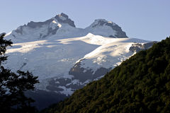 Montering Tronador, Patagonia Arkivbilder