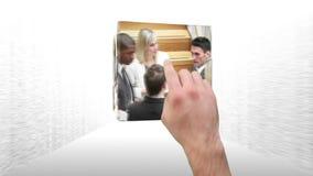 Montering van het bedrijfsmensen werken stock video