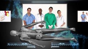 Montering van medische arbeiders met draaiend menselijk cijfer stock video
