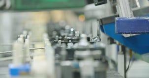 Monteringsband av delar för bilindustrin lager videofilmer