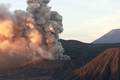 MonteringsBromo maximum i Indonesien Arkivfoton