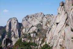 MonteringsHuangshan landskap Royaltyfri Bild