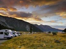 Monteringskock NP som campar, Nya Zeeland Royaltyfri Foto