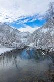 Montes bonitos do taiga em Extremo Oriente de Rússia ao princípio de outubro Taiga no inverno Natureza bonita Frosty Weather Fotos de Stock Royalty Free