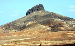 Montes de pedras e vulcão fotografia de stock royalty free