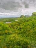 Montes e lagos na ilha de Skye fotografia de stock