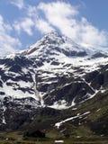 Montes elevados nos alpes Fotografia de Stock