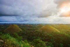 Montes surpreendentemente dados forma do chocolate na ilha de Bohol, Filipinas Imagens de Stock
