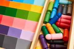 Montessori wood färggamut fotografering för bildbyråer