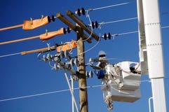 Monteur de lignes de compagnie d'électricité Images stock