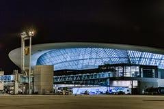 Montevideo nocy Lotniskowa Fasadowa scena obrazy stock