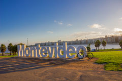 MONTEVIDEO URUGWAJ, MAJ, - 04, 2016: montevideo znak builded w 2012 i ono jest jeden główni atractions miasto Obraz Stock
