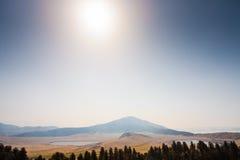 Montez Eboshi avec deux lacs dans Aso photographie stock