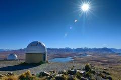 Montez John Observatory et le lac Alexandrina près du lac Tekapo à Cantorbéry Photos stock