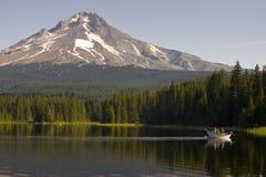Montez le lac Trillium de capot images libres de droits