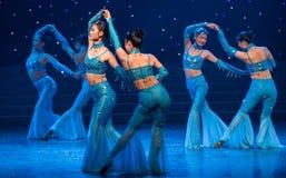 Montez le vent et la danse folklorique vague-chinoise Photo libre de droits