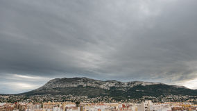 Montgo-Berg über Denia lizenzfreie stockfotos