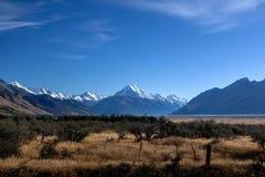 Monti il cuoco in chiaro cielo, l'isola del sud, NZ Fotografia Stock