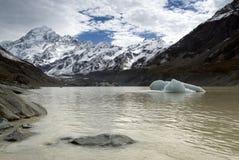 Monti il lago hooker della forma del cuoco, il parco nazionale, Nuova Zelanda Immagini Stock Libere da Diritti