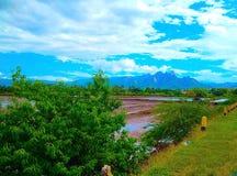 Monti, inverdisca, natura, la vista, gli alberi, il campo, il cielo, il blu, l'amore, Rilax, il viaggio, Indonesia Fotografie Stock Libere da Diritti