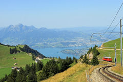 Monti Pilatus veduto dal Rigi, Svizzera. Immagine Stock