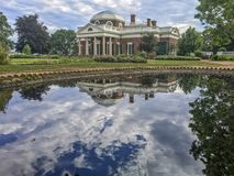 Monticello dom, odbija basenu zdjęcie stock