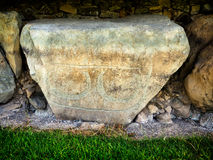 Monticello neolitico di Knowth, paracarro con le spirali e losanghe, ira fotografia stock libera da diritti
