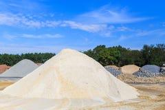 Monticule blanc de sable image stock