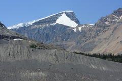 Montierung Athabasca und Schnee-Haube lizenzfreies stockbild