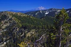 Montierung Shasta von den Dreiheit-Alpen Lizenzfreie Stockbilder