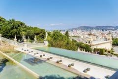 Montjuic的全国宫殿在巴塞罗那在一个晴天 库存照片