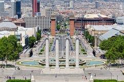 Montjuic Spalten und Brunnen auf Plaza de Espana in Barcelona Lizenzfreie Stockbilder