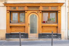 Montmartre, casa do vintage foto de stock