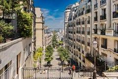 Montmartre kulletrappuppgång royaltyfria foton