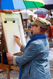 montmartre paintress巴黎 免版税库存图片