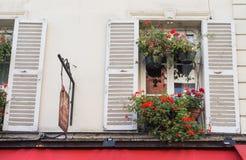Montmartre ulicy w Paryż, Francja, Europa Wygodny pejzaż miejski architektura i punkty zwrotni Podróży sightseeng pojęcie obraz stock